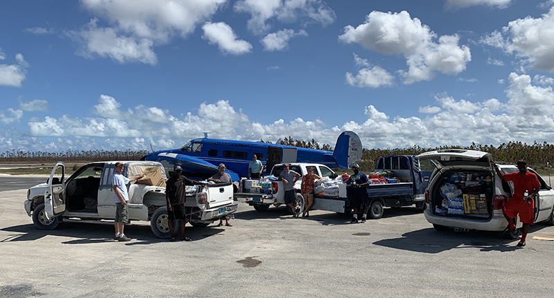 Rosarian families send relief supplies to Bahamas