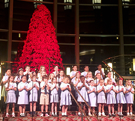 Rosarian Academy Celebrates Christmas by Reaching Out
